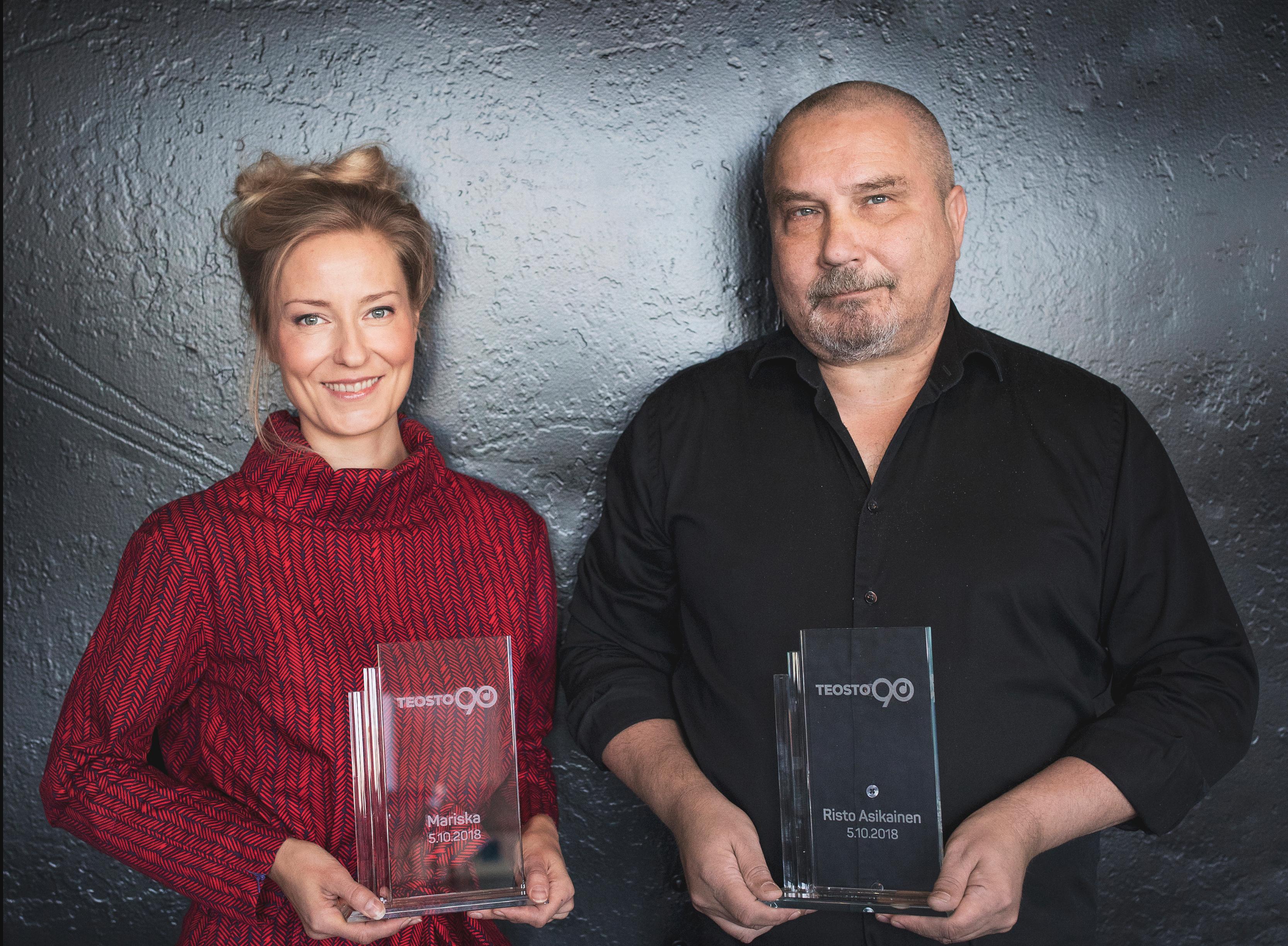 Mariska ja Risto Asikainen saivat Teosto 90 -tunnustuspalkinnot